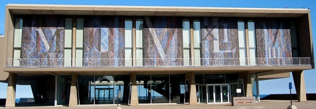 Lewandowski mosaic mural on War Memorial Center. Image from flickr user chicagogeek.