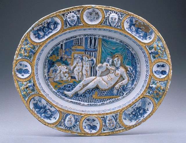Dish, England, 1681. (Chipstone Foundation; Photo Gavin Ashworth)