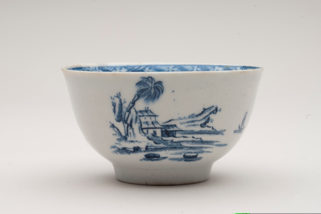 Tea bowl, John Bartlam,  1765-1769. Chipstone Foundation. Photo by Gavin Ashworth.