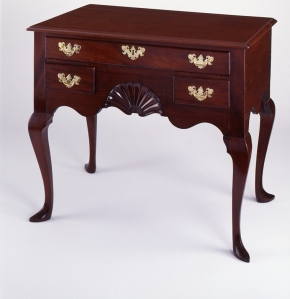 Dressing table. Job Townsend, ca. 1750. Newport, Rhode Island. Chipstone Foundation. Photo Courtesy of Gavin Ashworth.