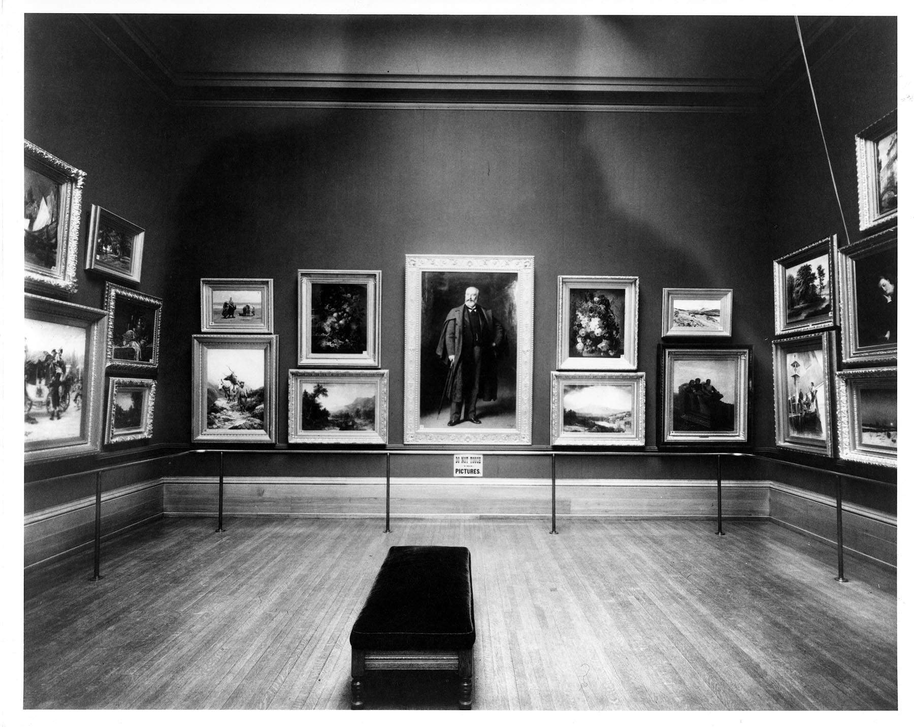 Installation At The Layton Art Gallery Ca 1910 Milwaukee Museum Institutional